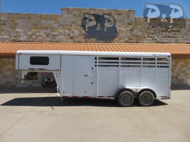 2008 CM 3H 3 Horse Slant Load Trailer