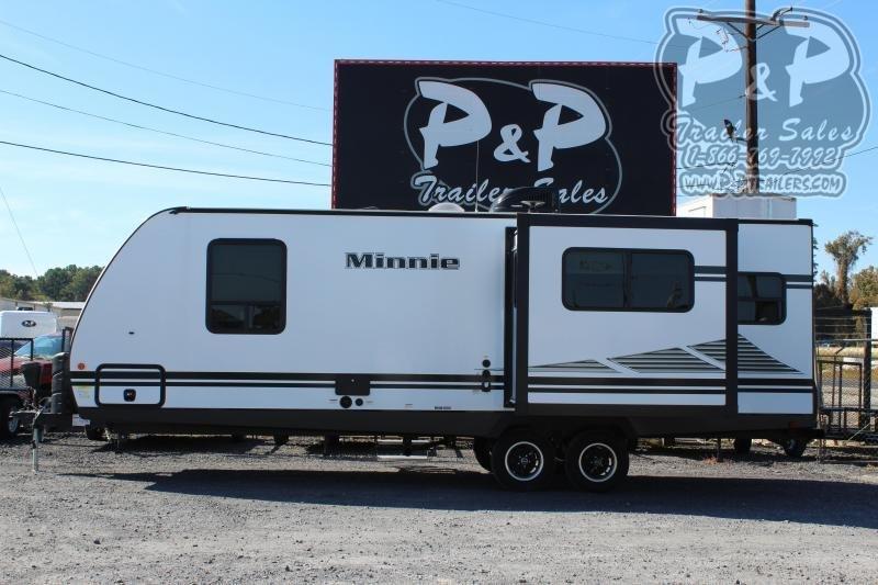 "2020 Winnebago Minnie 2500RL 27' 11"" ft Travel Trailer RV"