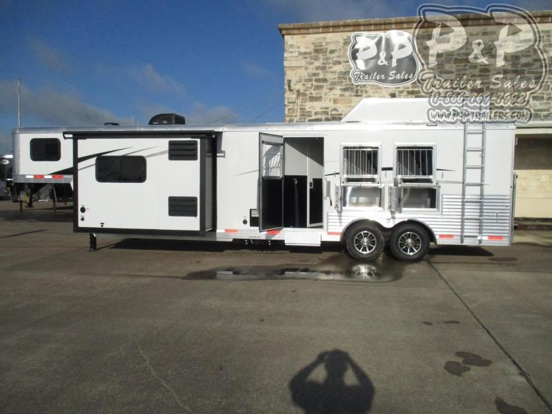 2020 Bison Trailers Laredo 8313LDRSGB 3 Horse Slant Load Trailer 13 FT LQ With Slides w/ Ramps
