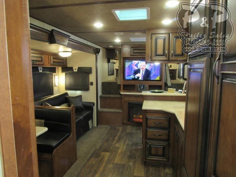 2020 Bison Premier 3 Horse 17 Living Quarter Horse Trailer