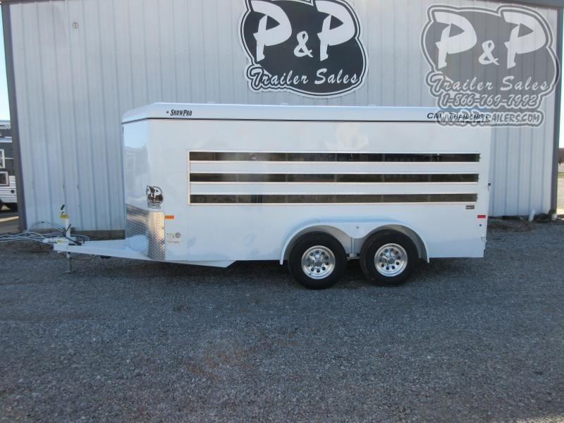 2020 C&M Show Pro 6 Pen 16' 16 ft Livestock Trailer