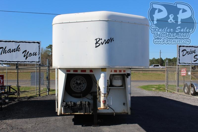 2008 Bison Trailers 7310 3 Horse Slant Load Trailer 10 FT LQ