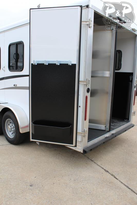 2020 Bison Trailers Trail Boss 7311TB 3 Horse Slant Load Trailer LQ
