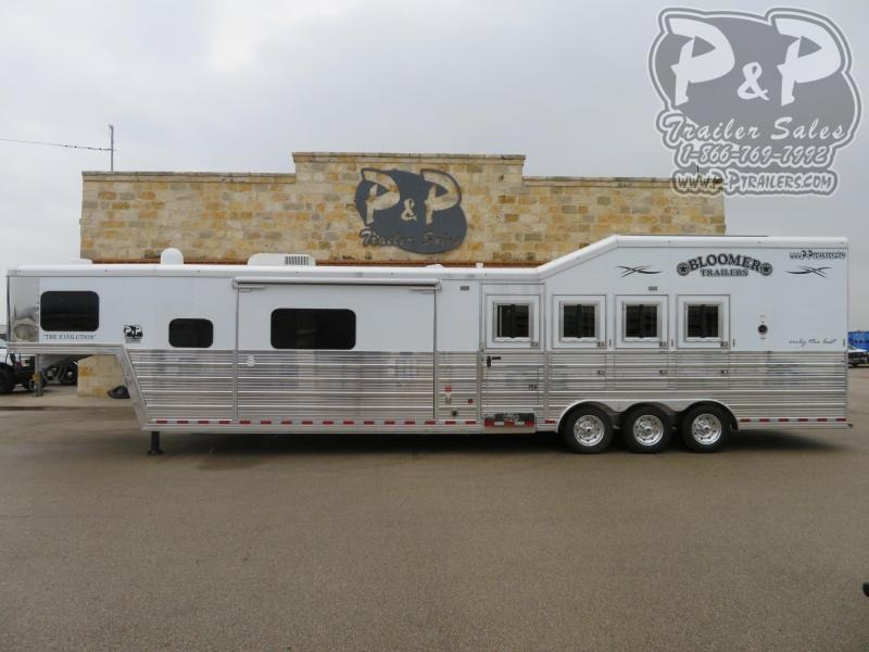 2020 Bloomer Trailers 4 Horse 15' Short Wall with Outlaw Conversions