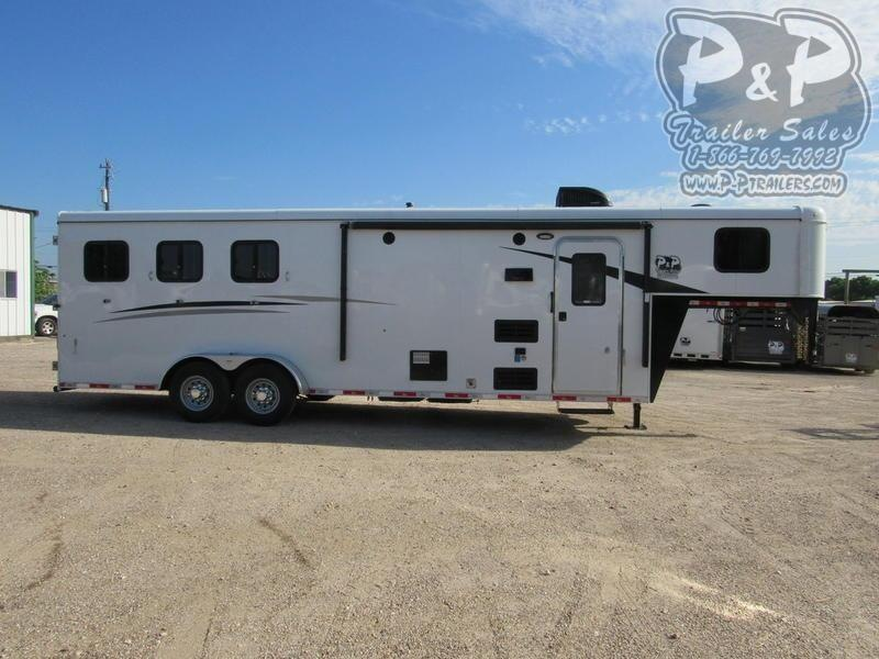 2019 Bison Trailers Trail Hand 3 Horse 9' Short Wall 3 Horse Slant Load Trailer 0 FT LQ