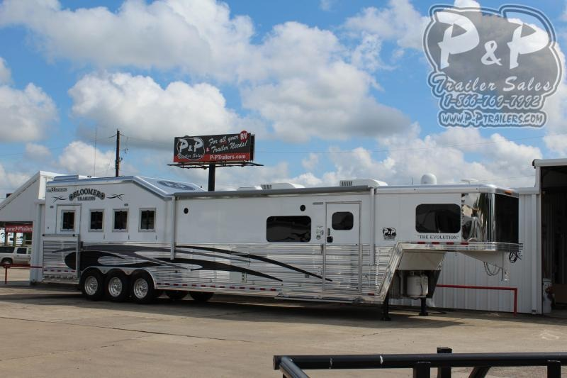 2019 Bloomer 8417 4 Horse Trailer 17 LQ With Slides Slant