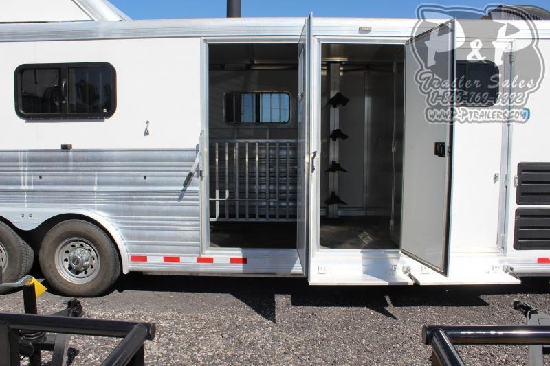 2015 Cimarron Trailers Showstar 26.3x8 26 ft Livestock Trailer LQ