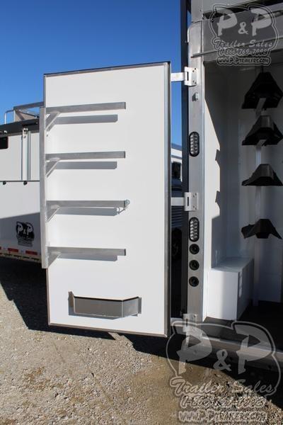 2019 Lakota Bighorn BH8418TCE 4 Horse Slant Load Trailer 18 FT LQ With Slides