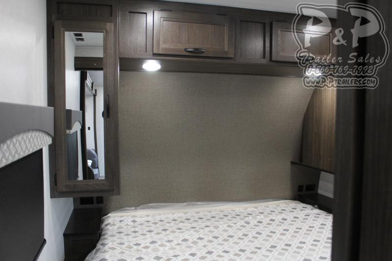 2021 Winnebago Voyage 3033BH 33 ft Travel Trailer RV