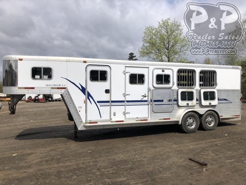 2001 Exiss Trailers 74GN 4 Horse Slant Load Trailer