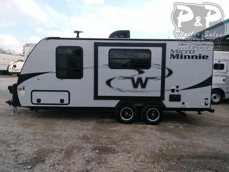 2020 Winnebago Micro Minnie 2108DS 22.42 ft Travel Trailer RV