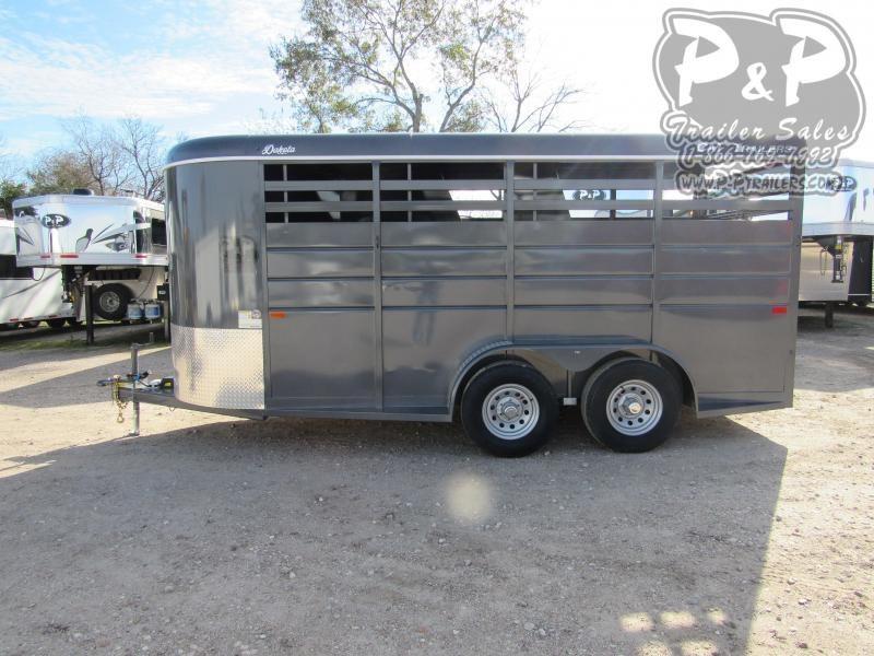 2020 CM CMH0833-1600235 3 Horse Slant Load Trailer
