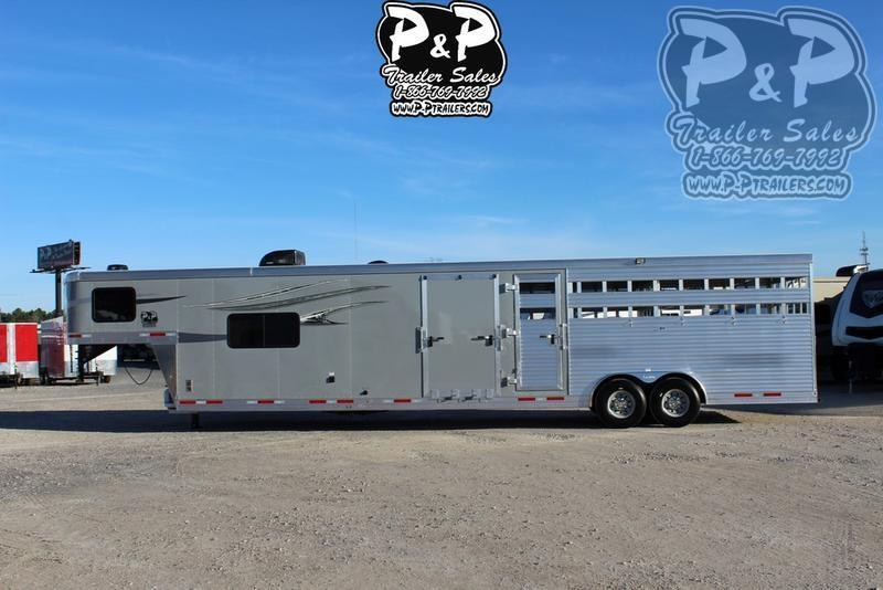 2019 Lakota Trailers Charger LE81611 16' Stock 11' Short Wall w/Midtack