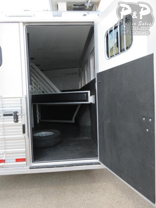 2020 Bloomer 8413OL 4 Horse Slant Load Trailer 13 FT LQ With Slides