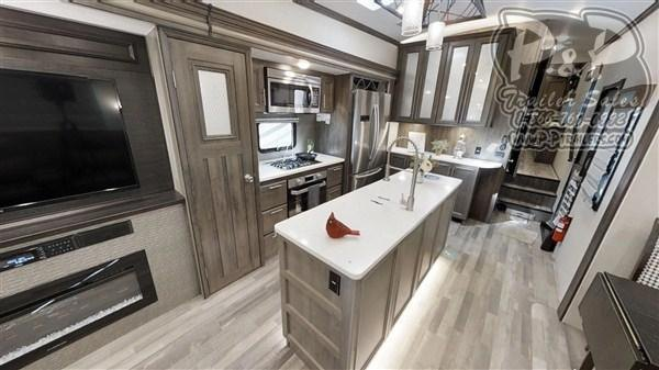 2020 Forest River Cardinal Luxury 3456RLX 40.17 ft Fifth Wheel Campers RV