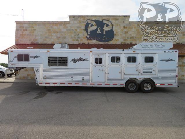 2005 Platinum Coach 8410 4 Horse Slant Load Trailer 10 FT LQ