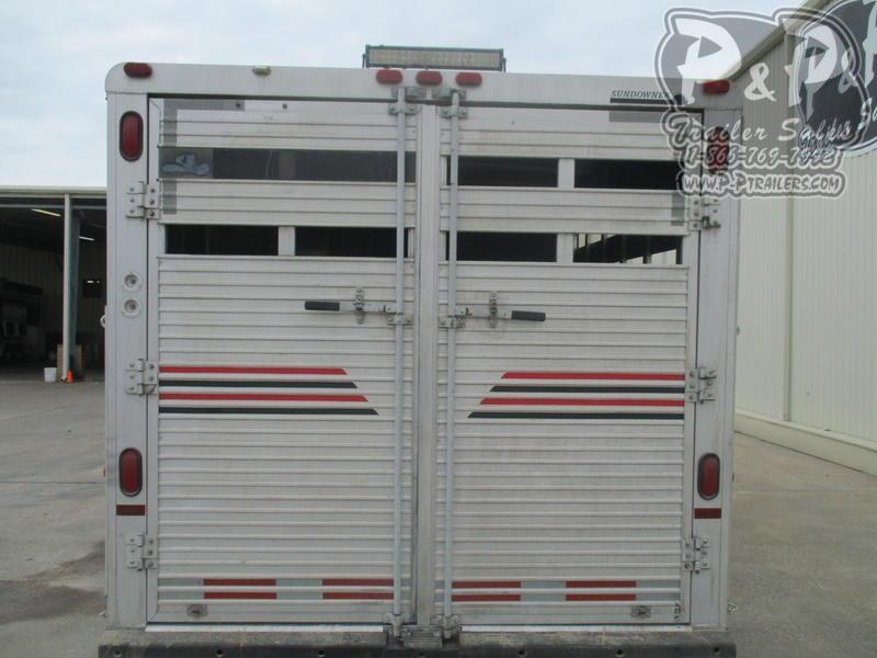 1997 Sundowner Trailers 8008 3 Horse 8' Short Wall