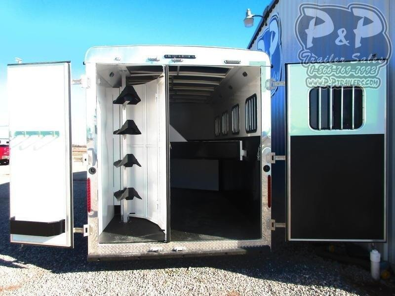 2019 Bison Trailers 7411TH Trail Hand 4 Horse Slant Load Trailer 11 FT LQ