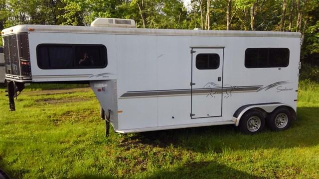 2005 Sundowner 2 Horse Straight Horse Trailer