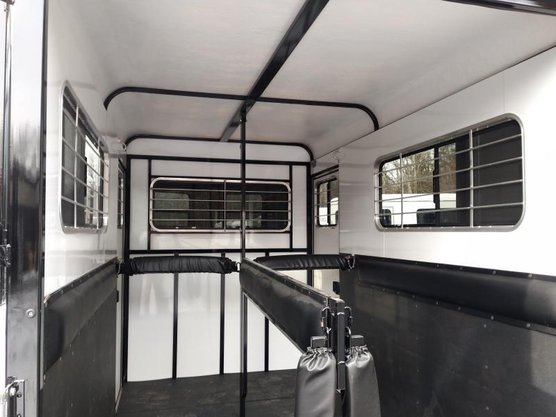 Cotner Royal Dressing Room Horse Trailer