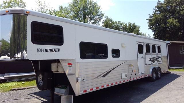 2010 Sundowner Horizon 8014 4 Horse Slant Load Trailer