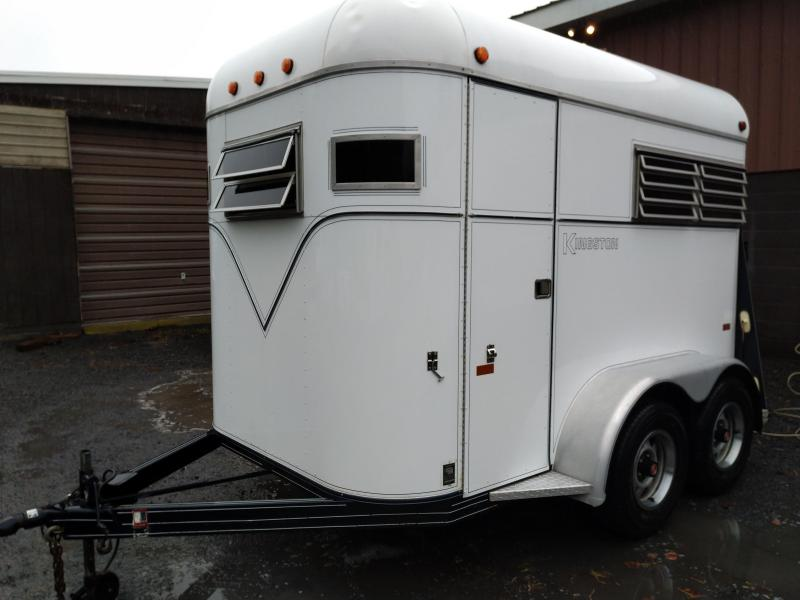 1988 Kingston Trailers Inc. Two Horse Horse Trailer