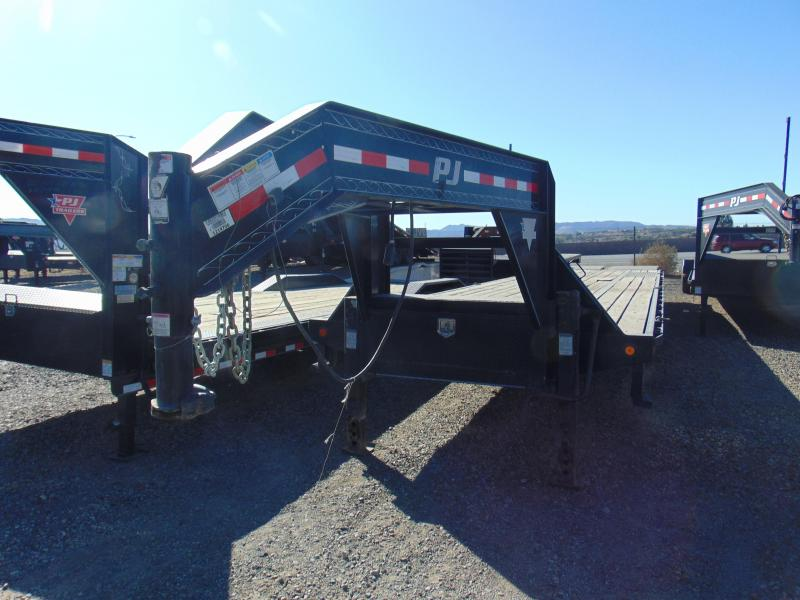 2015 PJ Trailers 102X40 Gooseneck Equipment Trailer