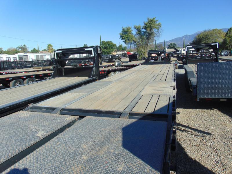 2015 PJ Trailers 102X40 Gooseneck Equipment Trailer