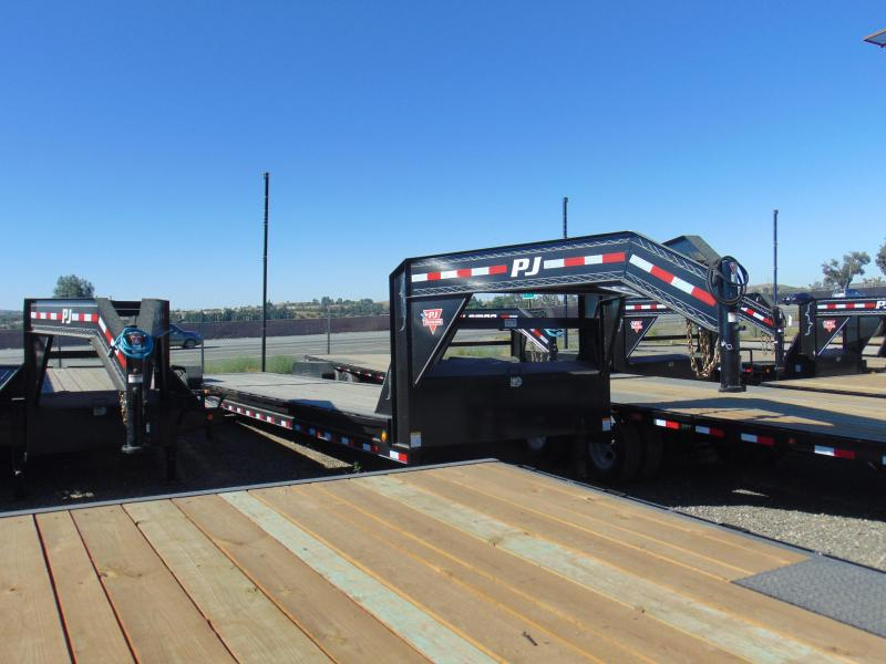 2019 PJ Trailers 83x36 Car / Racing Trailer