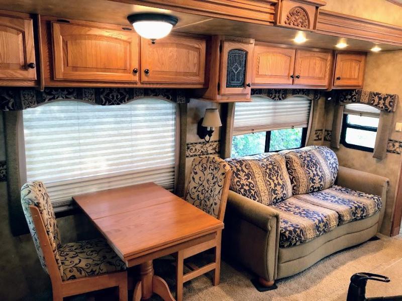 2008 Heartland BIGHORN 3670RL Fifth Wheel Campers RV