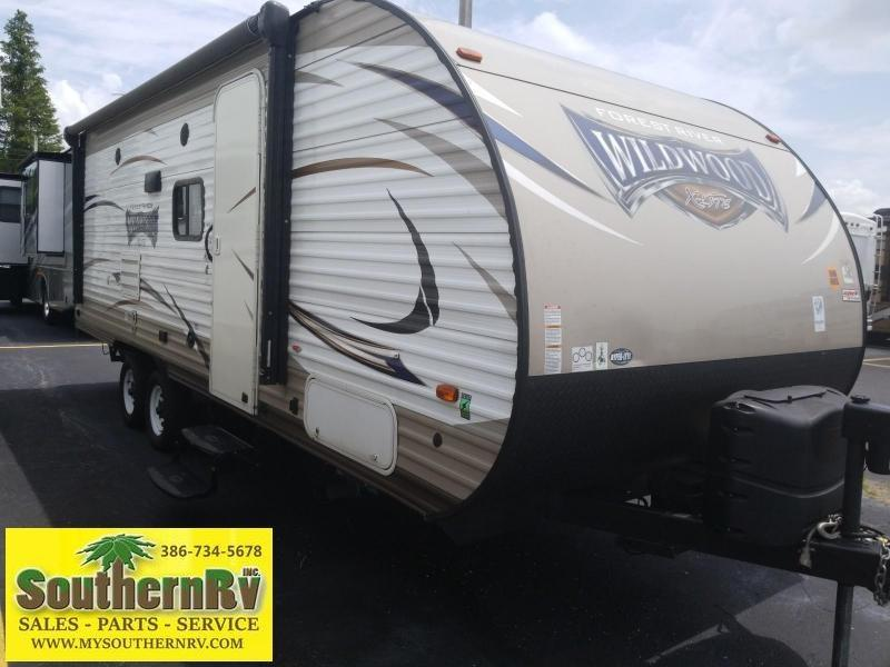 2017 Forest River Wildwood X-lite 230BHXL BUNKHOUSE Travel Trailer RV