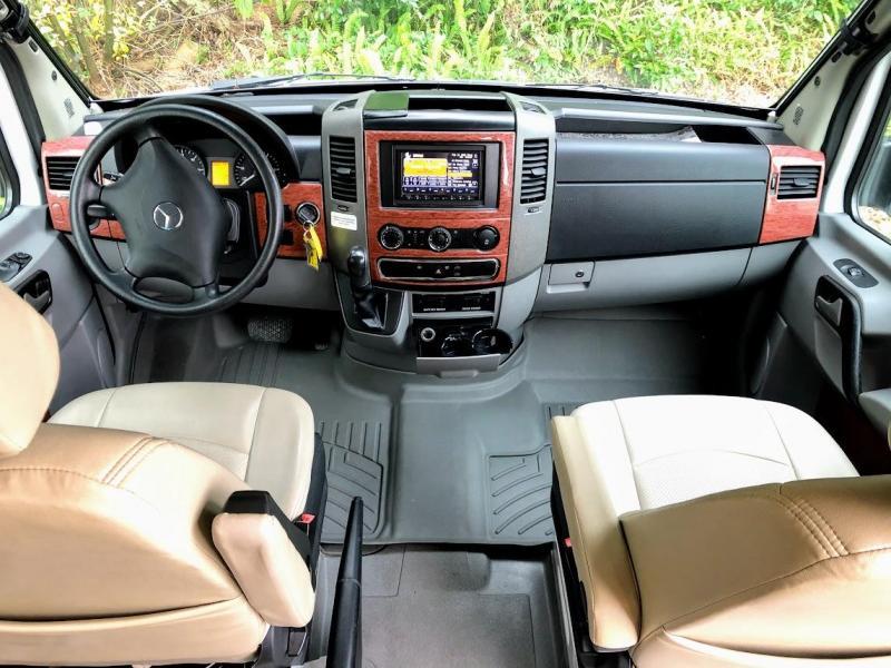 2012 !!!PENDING SALE!!!  Winnebago Era 170X Class B RV