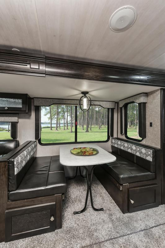 2020 North Trail 33BKSS Travel Trailer