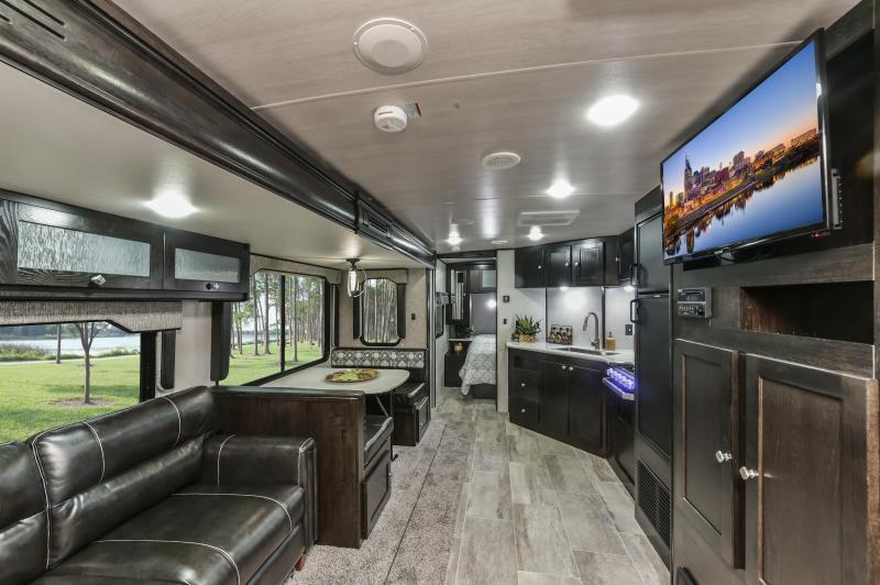 2020 North Trail 29BHP Travel Trailer