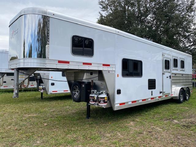 2020 Exiss Escape 3H 10.5' LQ Horse Trailer