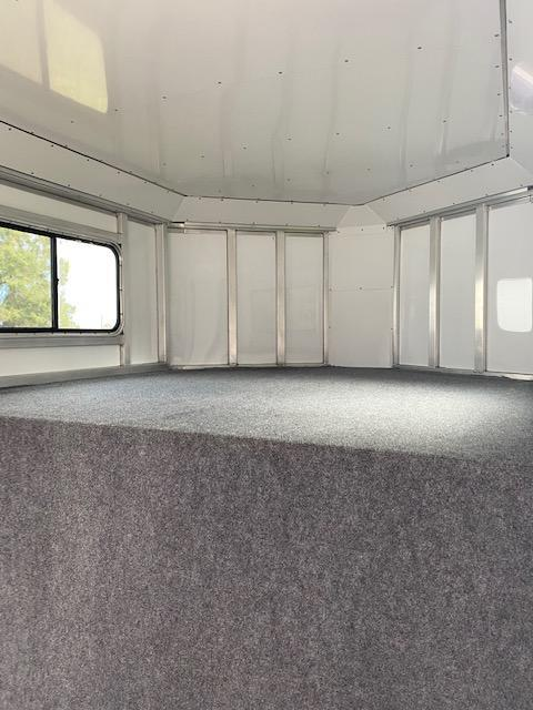 2020 Trailers USA  Minuteman 3H GN Horse Trailer PRICED AT INVOICE