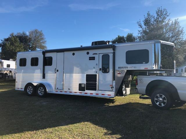 2019 Sundowner Horizon 3H 6907 LQ Horse Trailer PRICED AT INVOICE.