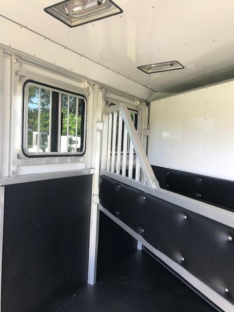 2020 Trailers USA Inc. Miutman 2H BP Horse Trailer