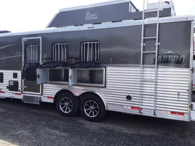 ***PRICE REDUCTION***2018 Bison 8315 LAREDO Horse Trailer with Living Quarters