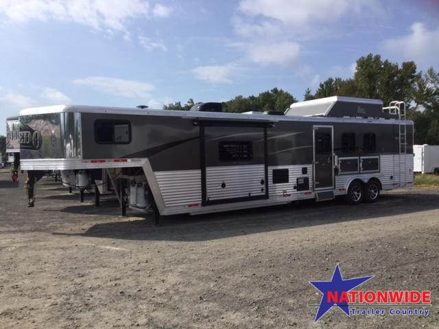 ***NEW YEAR CLEARANCE***2018 Bison 8315 LAREDO Horse Trailer with Living Quarters in  AR