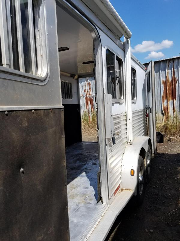 2005 Featherlite 8546 Horse Trailer