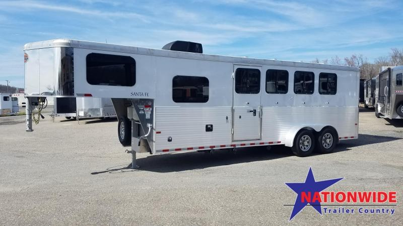 ***PRICE REDUCTION***2020 Sundowner LIVING QUARTERS SANA FE 4 HORSE Trailer