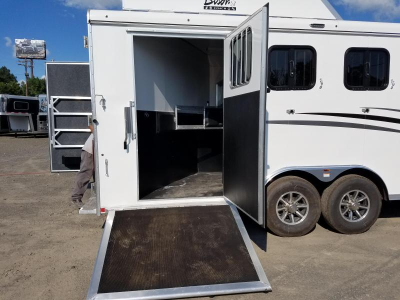 ***PRICE REDUCTION***2019 Bison 8311 RANGER Horse Trailer with Living Quarters