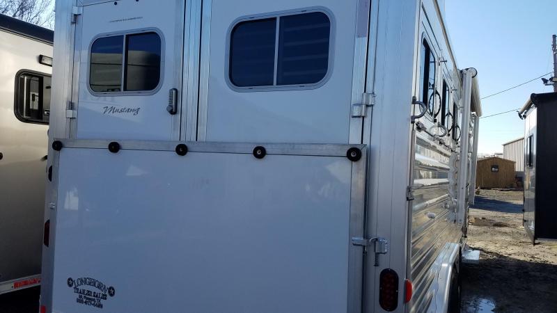 2019 Elite 3 HORSE Trailer with LIVING QUARTERS