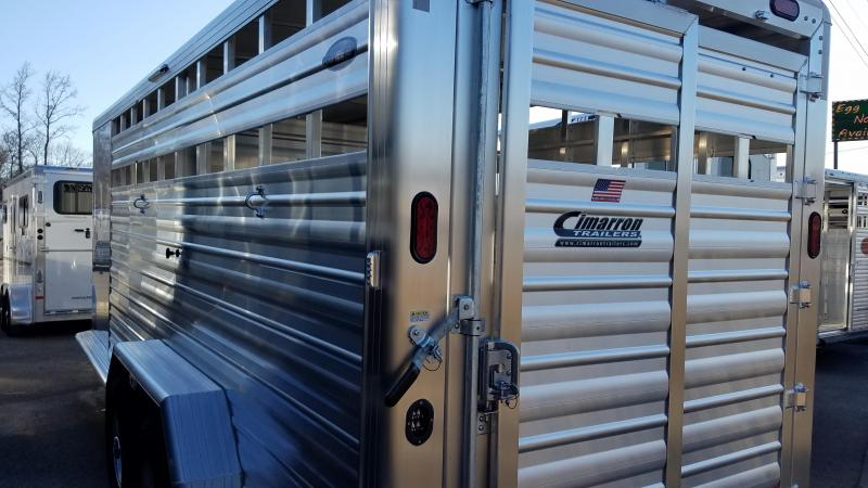 2020 Cimarron Trailers LONESTAR 20FT GN Livestock Trailer