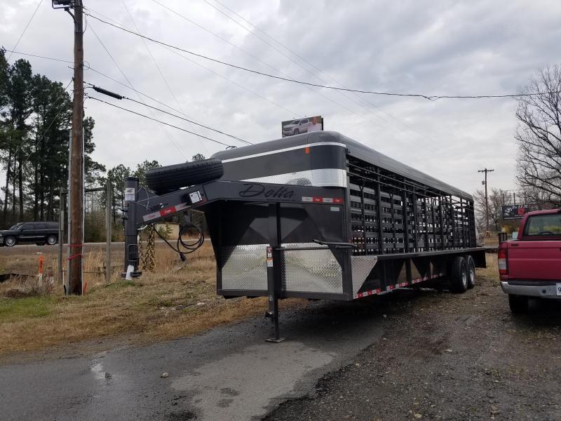 2019 Delta Manufacturing 28FT STOCK Livestock Trailer
