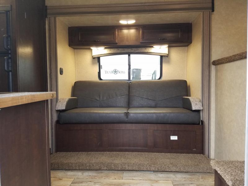 """2019 Bison 7311 TRAIL HAND with Living Quarters """"DEMO UNIT"""""""