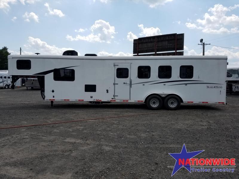 2019 Bison LIVING QUARTERS 7411 TRAIL HAND Horse Trailer