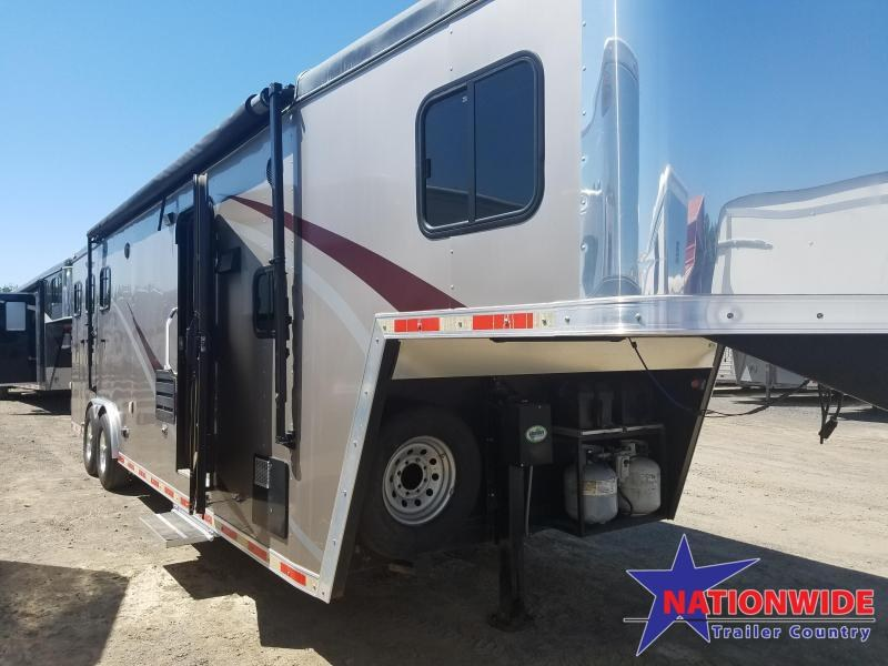 ***PRICE REDUCTION*** 2014 HHT MAVERICK 3-HORSE Trailer with Living Quarters