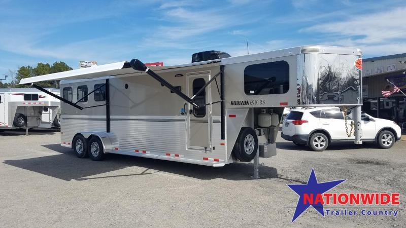 2020 Sundowner 3 Horse Trailer with Living Quarters